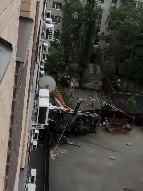 В Ставрополе дали газ жителям многоэтажки после падения крана