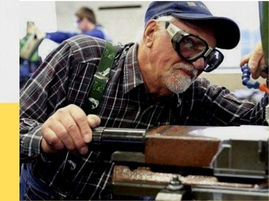 Пожилым работающим серпуховичам продлили больничные