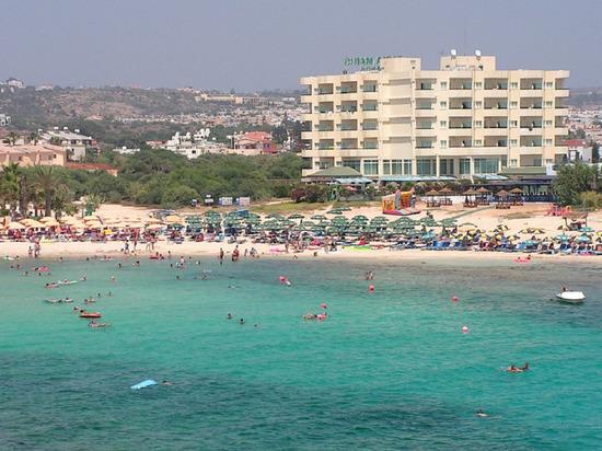 Кипр собрался открыть границы для туристов с 15 июня