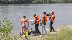 Алтайские спасатели проверили «дикие» пляжи и раздали памятки