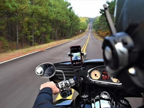 В Казани мужчина не справился с управлением и слетел с мотоцикла на скорости