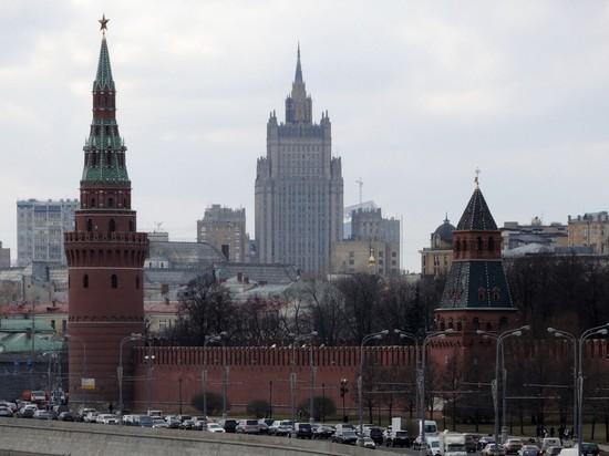 МИД: год Зеленского у власти не привел к изменениям в Донбассе