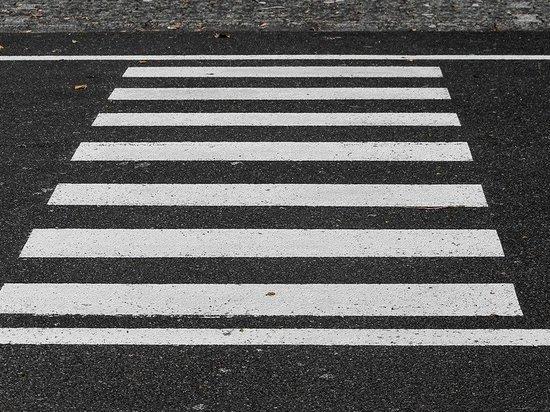 В Казани два авто столкнулись и сбили пешехода