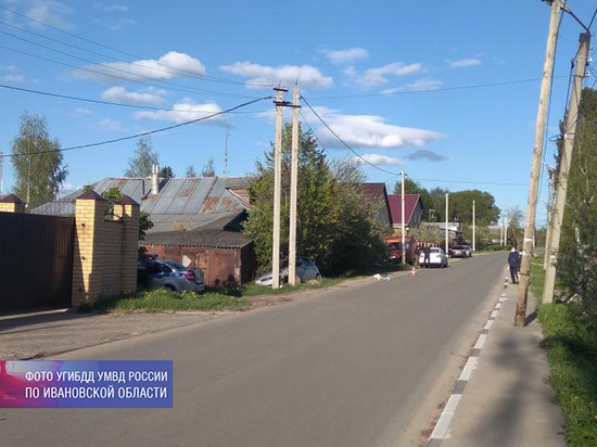 В Ивановской области под колеса автомобиля попал 5-летний малыш на самокате