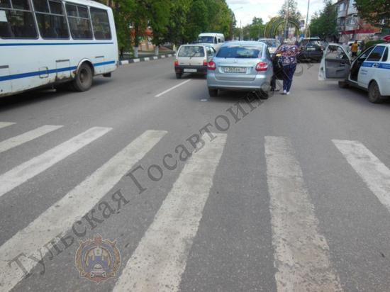 В Донском женщина-водитель сбила девушку-пешехода