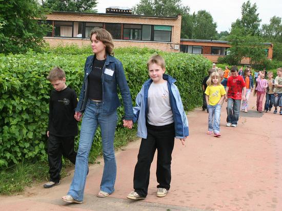 Детям разрешили не соблюдать масочный режим в российских лагерях