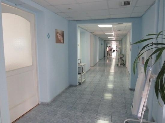 Шестеро сотрудников красноярского роддома заразились коронавирусом