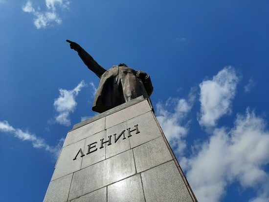 Депутат Госдумы от Саратовской области Алимова прокомментировала слова Жириновского о продаже мумии Ленина