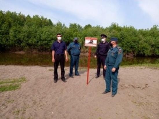 Второй день спасатели ищут утонувшего в алтайском озере мужчину