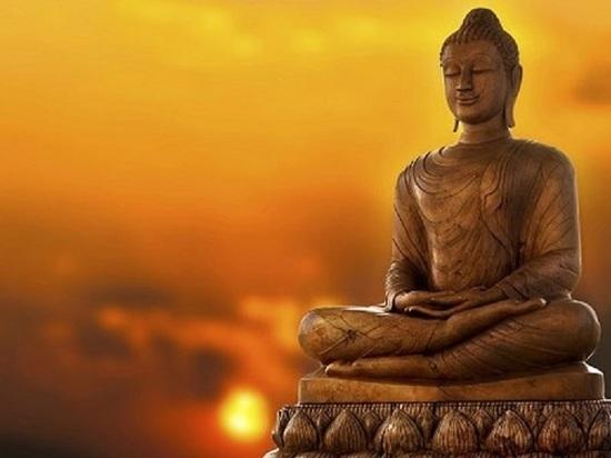 Шаджин-лама Калмыкии дарует обеты и наставления
