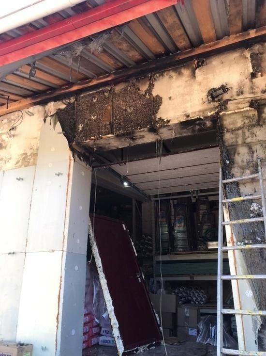 В городе Марий Эл загорелся строймагазин