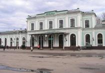 На псковском вокзале каждый день толпятся очереди к термометру