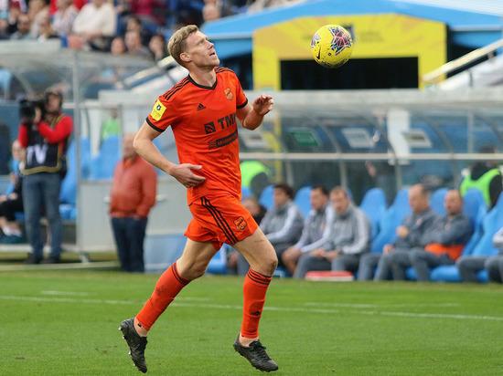 У екатеринбургского футболиста обнаружили коронавирус