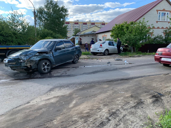 В Тамбове ВАЗ и «Рено» не поделили дорогу