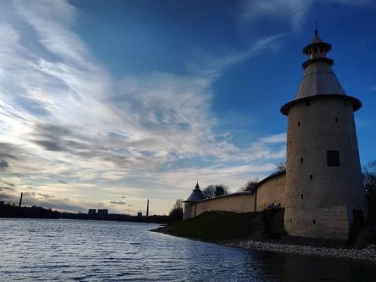 Жителям Псковской области разрешат прогулки в любое время