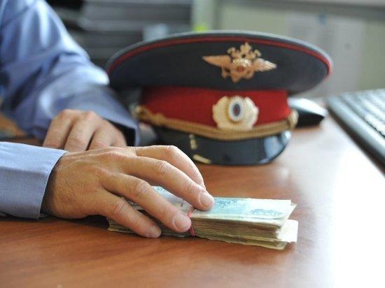 Полицейского следователя по особо крупным делам поймали на взятке