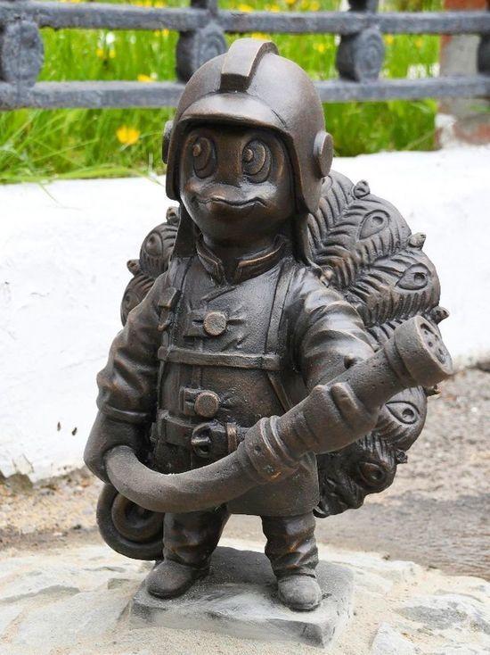 Необычный памятник пожарному появился в Серпухове