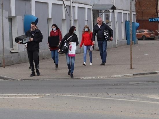 500 звонков в день поступает нижегородским волонтерам по COVID-2019