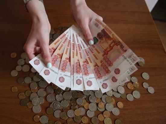 В Волгоградской области аферисты украли 349 тысяч рублей у слесаря