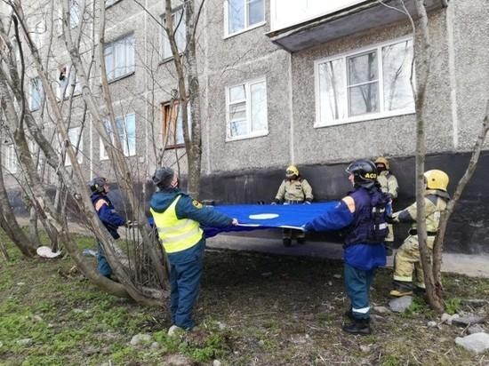 В Мурманске предотвращён прыжок человека из окна