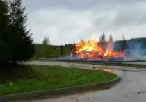В субботу на территории скита Троице-Сергеевой лавры на Гремячем ключе под Сергиевым Посадом ранним утром произошёл сильный пожар