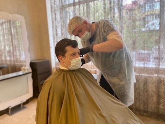 Нижегородский губернатор сходил постричься к парикмахеру под прицелами видеокамер