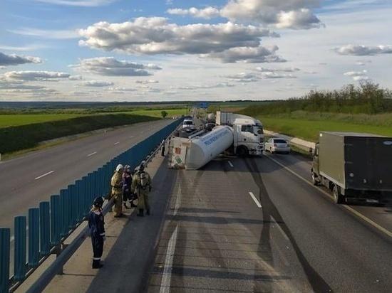 В Ростовской области опрокинулась цистерна с газом