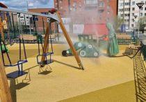 В Новом Уренгое дезинфицируют детские площадки