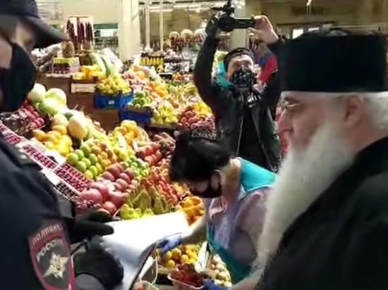 Саратовского митрополита полиция застала на рынке без маски