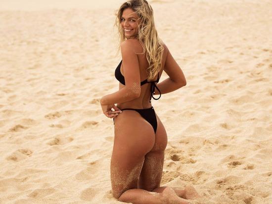 Юлия Ефимова выложила жгучее фото в бикини и пожаловалась на фигуру
