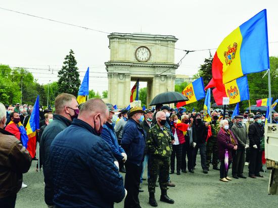 Ветераны войны на Днестре требуют денег и почетных похорон