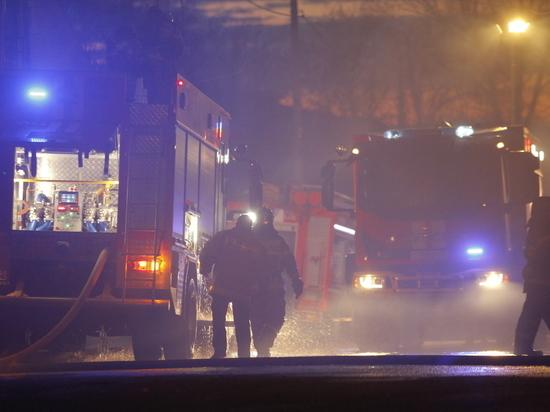 Крупный пожар произошел на ул.Кузбасской в Нижнем Новгороде