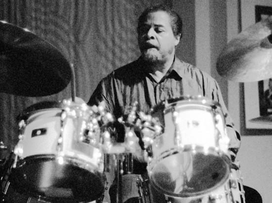 Умер джазовый барабанщик Джимми Кобб