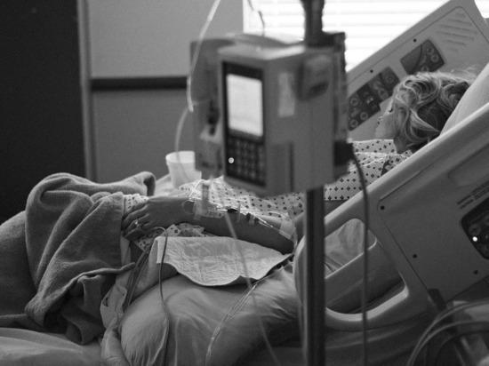 В Коммунарке 94-летний пациент перешел с ИВЛ на реабилитацию