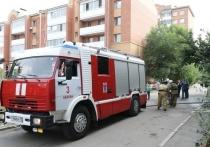 В Хакасии горели многоэтажка, машина на трассе и баня