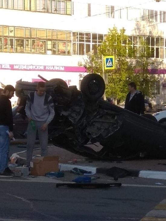 В Ярославле авто пролетело кувырком