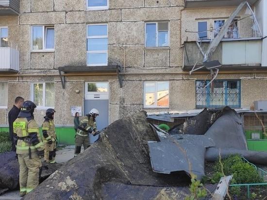 Последствия урагана в Свердловской области ликвидируют около 300 человек