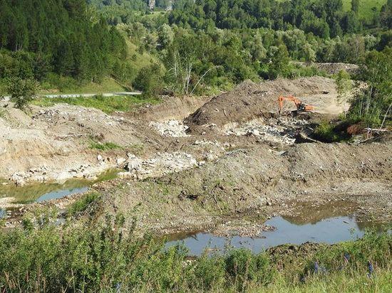 Экологи бьют тревогу: старатели продолжают добывать золото на алтайской реке Ануй, несмотря на судебные тяжбы