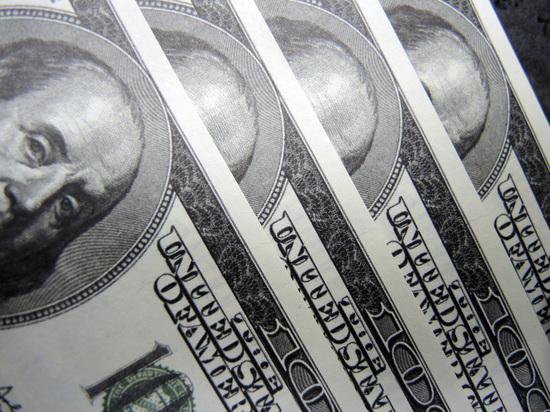 Иностранной валюты приобрели в 9,6 раза больше, чем в феврале