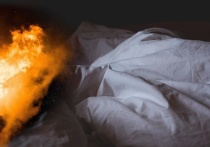 Курение до добра не доводит: в Иванове ночью в квартире загорелась постель
