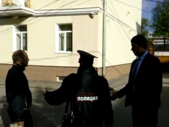 Ярославский чиновник обещал помочиться на жителя после замечания о самоизоляции