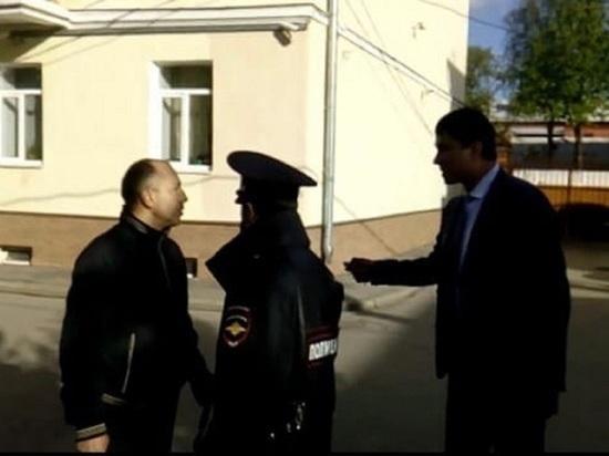 Староста дома, оплеванный ярославским чиновником, доказал, что не трогал семью