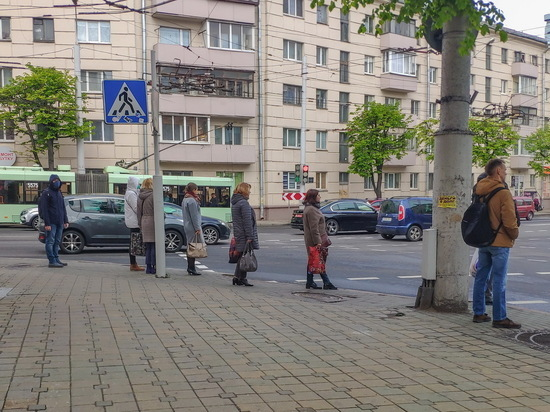 Жизнь без карантина: как выживают Швеция и Беларусь