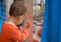 В Казахстане участились случаи выпадения детей из окон многоэтажек