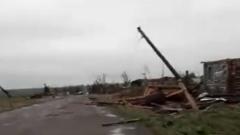 Разрушительный ураган на Кузбассе ужаснул: кадры последствий