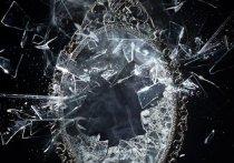 В Чехове девушка перерезала горло осколком зеркала сожителю матери