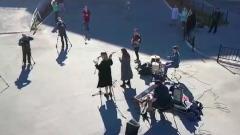 В Салехарде музыкальная группа поддержала студентов на карантине уличным концертом