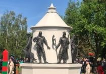У псковского памятника пограничникам появится подсветка