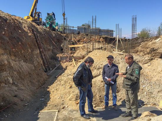 На Байкале в Бурятии началось строительство крупного гостевого комплекса