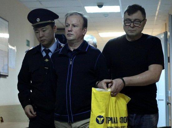 Дело о чемоданах в российском посольстве странно зависло